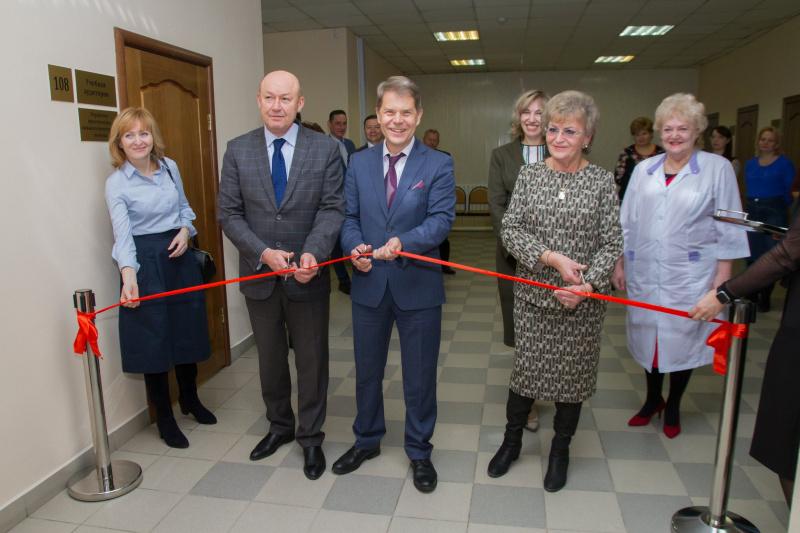 И.о. министра здравоохранения Иркутской области Олег Ярошенко 24 декабря принял участие в торжественном открытии симуляционно-тренингового центра ИОКБ на базе ИБМК.