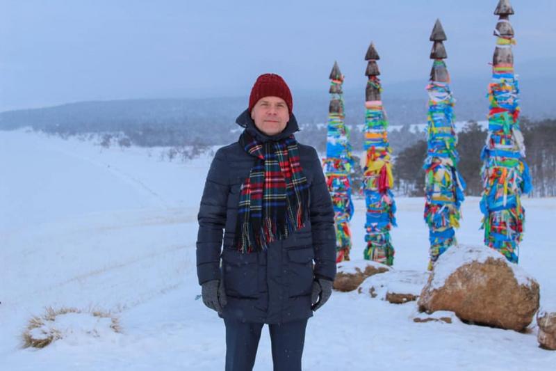 И.о. министра здравоохранения Иркутской области О.Н. Ярошенко поздравил с наступающим Новым годом и Рождеством!