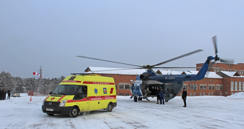 И.о. министра здравоохранения Иркутской области Олег Ярошенко дал старт работе посадочной площадки в Братске во второй день рабочего визита.