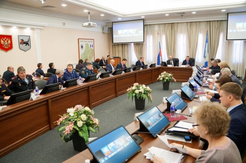 Министерством здравоохранения Иркутской области создана межведомственная рабочая группа по координации деятельности органов и организаций, направленной на предотвращение заноса и распространения в Иркутской области коронавирусной инфекции