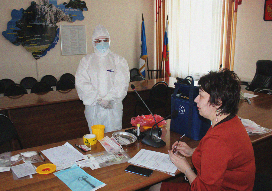 Обучение по забору проб на COVID-19 прошло в формате видеоконференцсвязи в министерстве здравоохранения Иркутской области