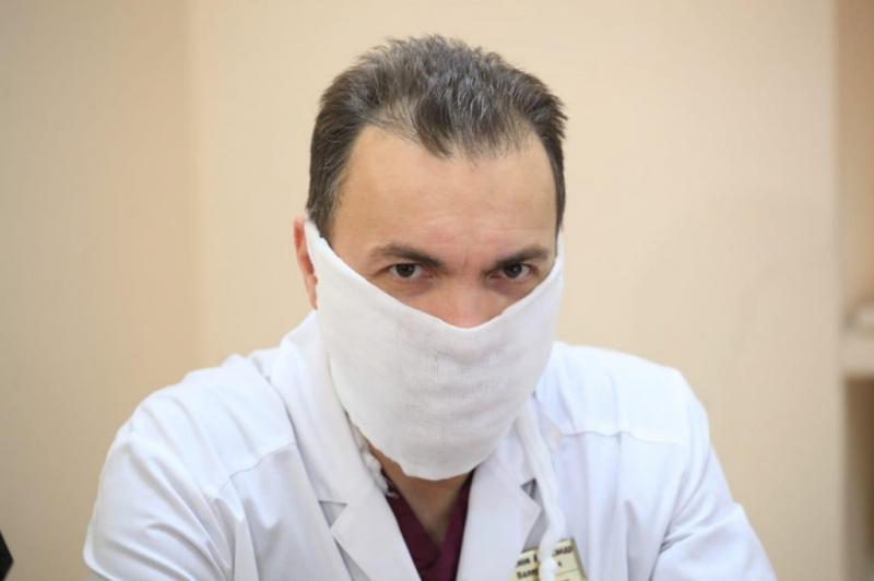 Нейрохирургу Иркутской городской клинической больницы N3 Александру Семёнову присвоено звание Заслуженный врач Российской Федерации
