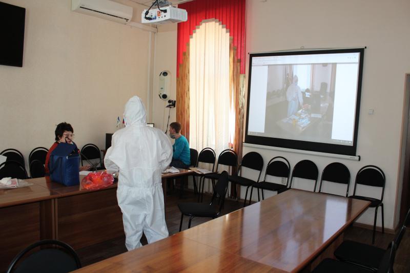 Сотрудников медицинских учреждений обучают безопасному использованию средств индивидуальной защиты