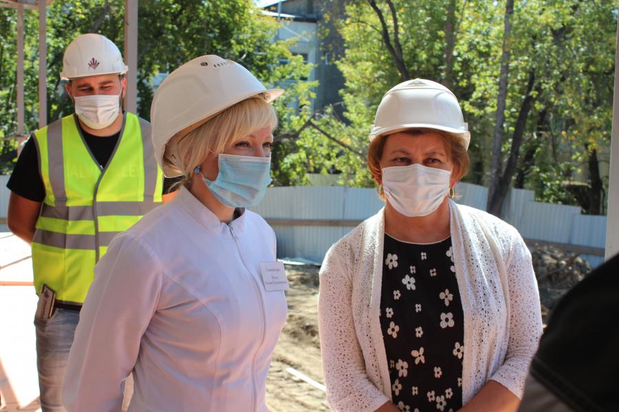 Строительство медицинского центра для лечения пациентов с внебольничной пневмонией в Шелехове завершится 1 сентября