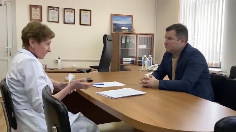 17 февраля министр здравоохранения Иркутской области Яков Сандаков посетил ОГБУЗ «Слюдянская районная больница».